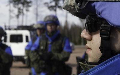 Sotilaallisissa kriisinhallintatehtävissä palveleville reserviläisille ryhdytään maksamaan kouluttautumisrahaa